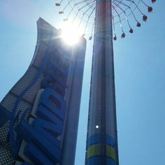 Photo taken at Windseeker by PerryTwins on 5/1/2015