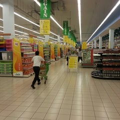Photo taken at Lulu Hypermarket مركز اللولو by Vikram M. on 12/20/2012
