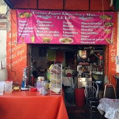 Photo taken at jugos, licuados y más..LULU by Kexolli d. on 2/3/2013