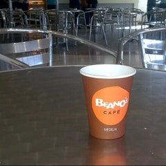 Photo taken at Beano's by Mohamed E. on 11/22/2013