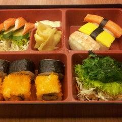 Photo taken at Oishi Ramen (โออิชิ ราเมน) by Bernie T. on 6/19/2013