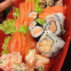 Photo taken at Sushi da Moka by Camila M. on 2/25/2013