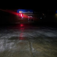 Photo taken at Vermillion Pump & Market by Jordy P. on 1/28/2013