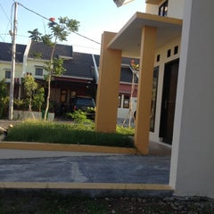 Photo taken at Vila Mutiara Biru by ____Jocquin Kent Abell T. on 11/12/2012