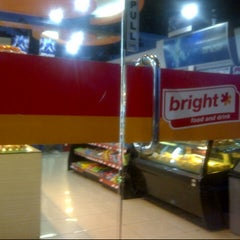 Photo taken at Bright Food and Drink 24 Hours, SPBU Pertamina by Ukong~ on 1/25/2013