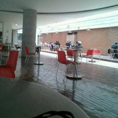Photo taken at Cafetería U Central by Wen H. on 2/16/2013