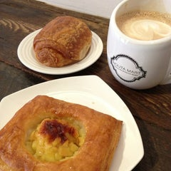 Photo taken at Nolita Mart & Espresso Bar by Jenny Chia-Fang W. on 2/1/2013