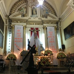 Photo taken at Templo Santa Catalina de Siena by Fer T. on 3/29/2013