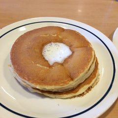 Photo taken at IHOP by Chellie D. on 11/9/2014