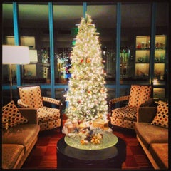 Photo taken at Intercontinental Club Lounge by Julien C. on 12/8/2013