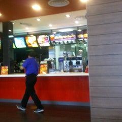 Photo taken at McDonald's by it's me ん. on 2/5/2013