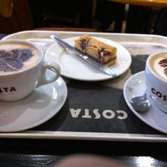 Photo taken at Costa Coffee by Fab FabulouSport O. on 2/22/2013