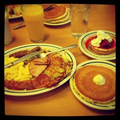 Photo taken at IHOP by Seb D. on 6/29/2013