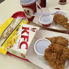 Photo taken at KFC by eℓaine ♡. on 9/10/2014