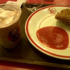 Photo taken at KFC by bhetie n. on 5/13/2013