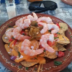 Photo taken at Barracrudas Beach Lounge by Ranas & Charles by Jose Luis Z. on 1/26/2013