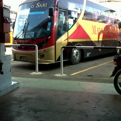 Photo taken at Terminal Bas Bentayan Muar by Azwan A. on 5/19/2013