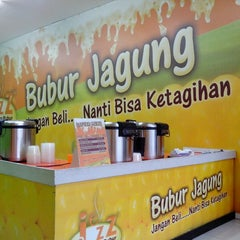 Photo taken at Bubur Jagung by Destri S. on 11/17/2013