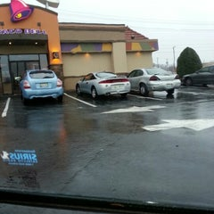 Photo taken at Taco Bell by Benjamin B. on 1/30/2013