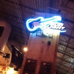 Photo taken at Logan's Roadhouse by Rizza B. on 2/9/2013