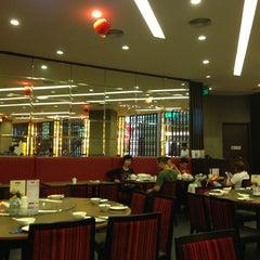 Photo taken at Crystal Jade Kitchen (翡翠小厨) by Kit L. on 2/8/2013