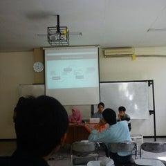 Photo taken at Fakultas Matematika dan Ilmu Pengetahuan Alam (MIPA) by Mokhamad R. on 4/28/2013