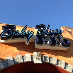 Photo taken at Baby Blues BBQ by Glitterati Tours on 2/25/2013