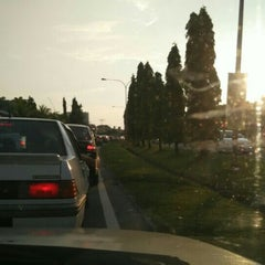Photo taken at Traffic Light Lido Intersection by Bros™ on 10/6/2015