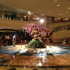 Photo taken at Makati Shangri-La by Raya on 2/14/2013