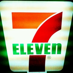 Photo taken at 7-Eleven by Doods™ C. on 9/26/2013