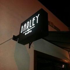 Foto tirada no(a) Barley Brew Pub por Beto B. em 11/11/2012