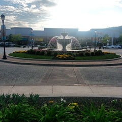 Photo taken at The Promenade Shops at Saucon Valley by ZACK H. on 5/9/2013