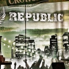 Photo taken at Republic by Plavoto P. on 7/1/2015