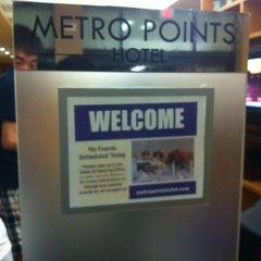 Photo taken at Metro Points Hotel Washington North by Shiny Z. on 7/30/2013