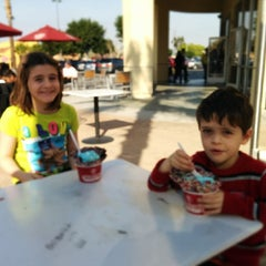 Photo taken at Cold Stone Creamery by Michael D. on 2/8/2014