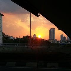 Photo taken at Jalan Tun Razak Tunnel by Ayi A. on 3/24/2014
