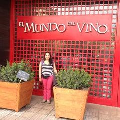Foto tomada en El Mundo del Vino por Rodolfo A. el 9/8/2013
