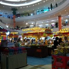 Photo taken at The Mall Nakhon Ratchasima (เดอะมอลล์นครราชสีมา) by One S. on 10/21/2012
