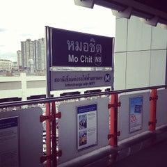 Photo taken at BTS หมอชิต (Mo Chit) N8 by Panas S. on 7/9/2013