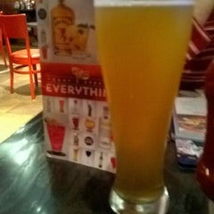 Photo taken at Red Robin Gourmet Burgers by Steve D. on 12/27/2014