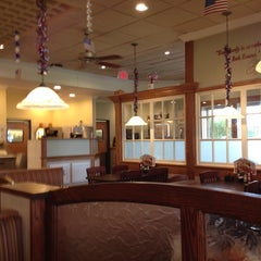 Photo taken at Bob Evans Restaurant by Clive C. on 8/21/2014
