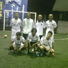 Photo taken at Arrayan Futsal by Teguh E. on 5/8/2013