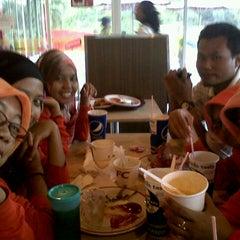 Photo taken at KFC by Lina N. on 7/8/2013