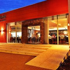 Photo taken at Unique Bar e Restaurante by Vinicius T. on 5/29/2013