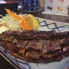 Photo taken at Itto Sushi by Arisa X. on 8/12/2015