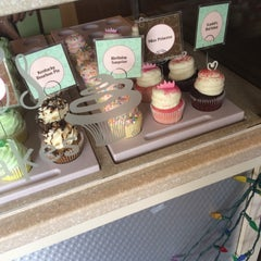 Photo taken at Gigi's Cupcakes by Jacqui G. on 7/28/2015