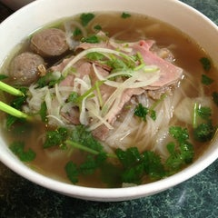 Photo taken at Phở Thái Hùng by Brittany K. on 12/24/2012