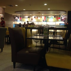 Photo taken at Black Canyon (แบล็คแคนยอน) by thummanoon k. on 8/11/2014