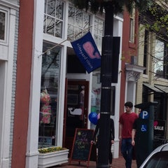 Photo taken at Vineyard Vines by Andrew W. on 4/12/2013