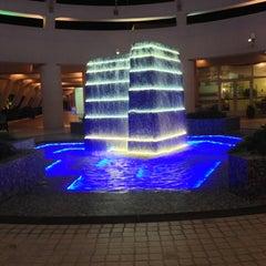 Photo taken at Sunset Beach Resort | منتجع شاطئ الغروب by Abdullah A. on 4/10/2013